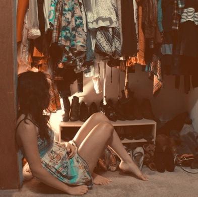 girl-no-closet